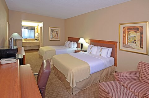 Holiday Inn EL PASO-SUNLAND PK DR & I-10 W - Our El Paso features 32  inch flat panel TV s with HDTV with HBO