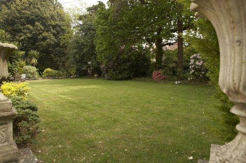 The Green House Hotel - Garden