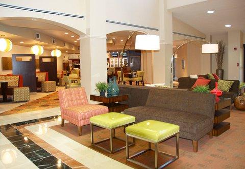 希科里萬怡酒店 - Lobby Seating Area