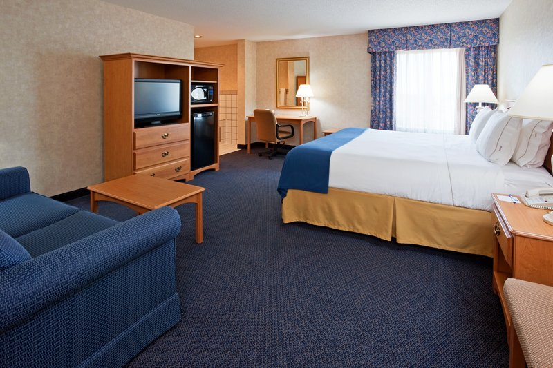 Holiday Inn Express-West - Fargo, ND