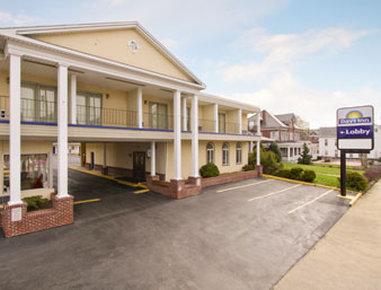 Days Inn Waynesboro - Waynesboro, PA