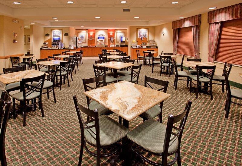 Holiday Inn Express FREMONT - Fremont, NE