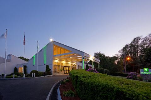 Holiday Inn Cape Cod Falmouth Hotel - Holiday Inn Falmouth Cape Cod near ferry service to The Vineyard