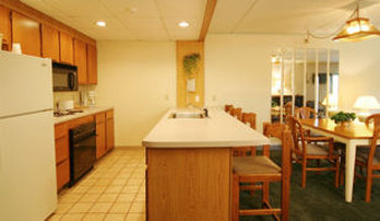 Fireside Resort Inn and Suites Gilford - Suitekitchen