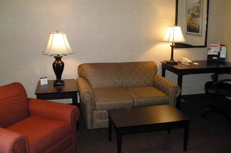 Quality Inn & Suites Conference Center Erie - Erie, PA
