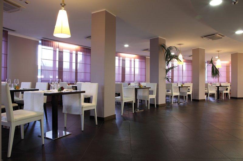 Holiday Inn Genoa City Gastronomi