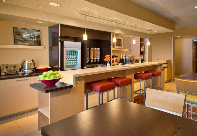 TownePlace Suites Denver West/Federal Center Gastronomía