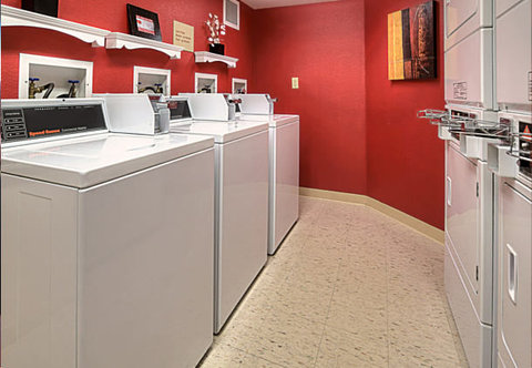 TownePlace Suites by Marriott Denver SE - Guest Laundry