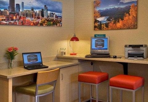 TownePlace Suites by Marriott Denver SE - Business Center