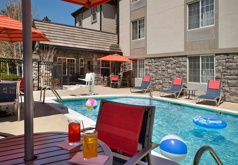 TownePlace Suites by Marriott Denver SE - Outdoor Pool