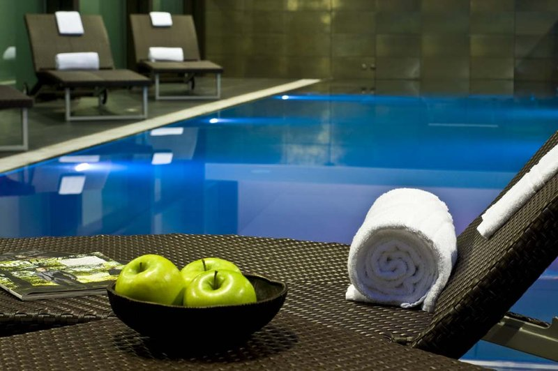 Radisson Blu Hotel, Milan Widok basenu