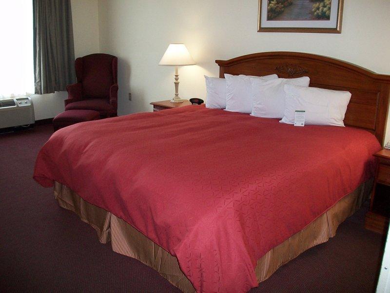 Country Inn & Suites Ocala - Ocala, FL