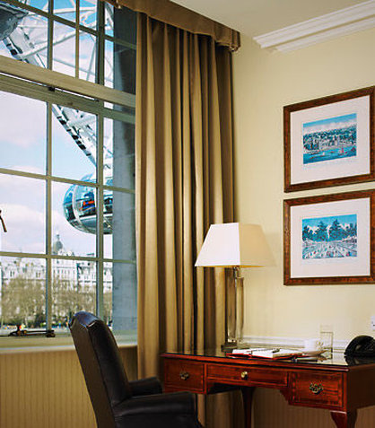 London Marriott Hotel County Hall View of room