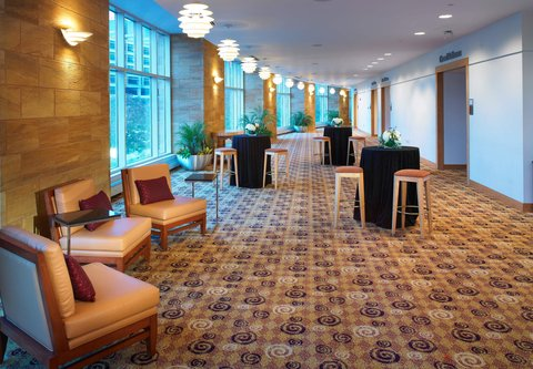 Cincinnati Kingsgate Conference Center Hotel - Pre-Function Space