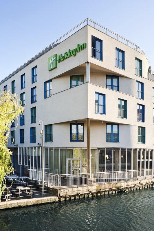 Holiday Inn Camden Lock Exterior view