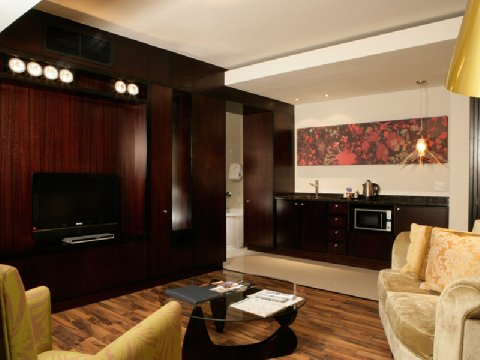 Colosseum Luxury Hotel  - Executive Guest Room Lounge