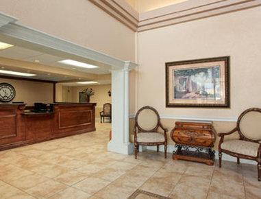 Ramada Limited Fort Myers Hotel - Lobby