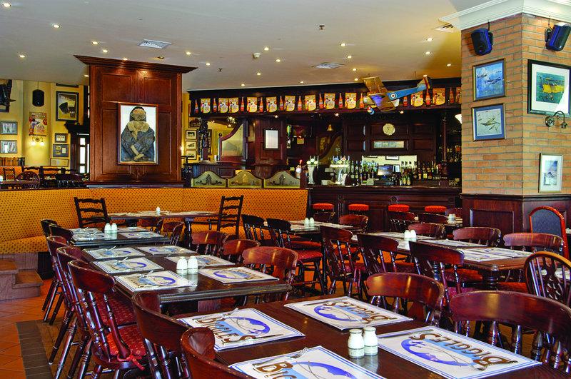 Millennium Dubai Airport Hotel Bar/Lounge