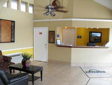 Days Inn Coliseum AT&T Center Hotel - Front Desk