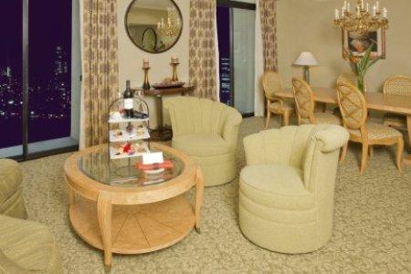 Tiffanys At Radisson Hotel - Newport Beach, CA
