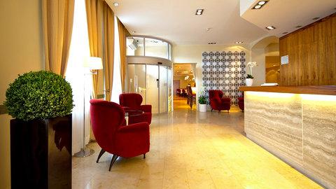 Opera  And Spa - Oper Hotel Recepcija