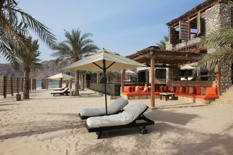 Six Senses Zighy Bay - The Private Reserve Pool Side