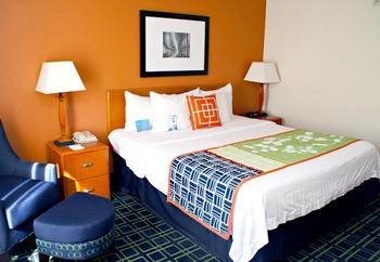 Fairfield Inn & Suites by Marriott - Room