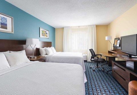 Fairfield Inn & Suites Holland - Queen Queen Guest Room