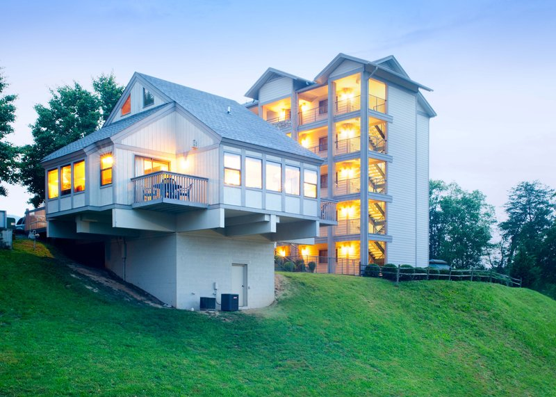 Laurel Crest Condo Owners Assn - Pigeon Forge, TN