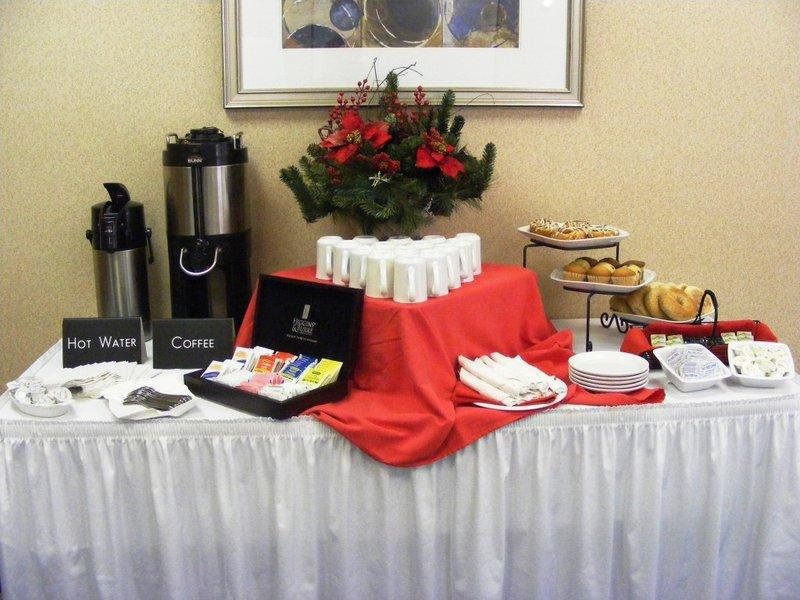 Holiday Inn Express Toronto-North York Конференц-зал