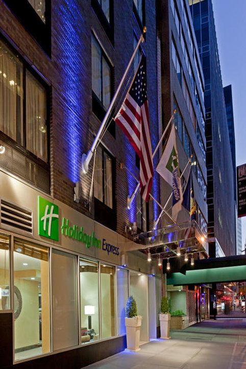 Holiday Inn Express New York City Wall Street Exterior view