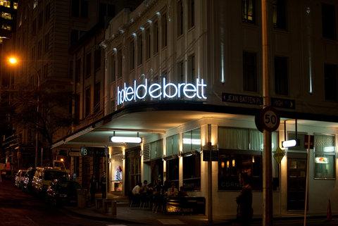 Hotel DeBrett - Hotel Facade