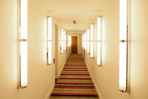 Hotel DeBrett - Corridor