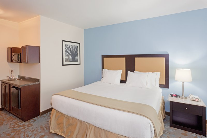 Holiday Inn Express PLAINVILLE - FOXBORO AREA - Quincy, MA