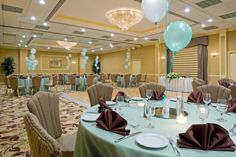 Crowne Plaza Hotel Edison BallRoom