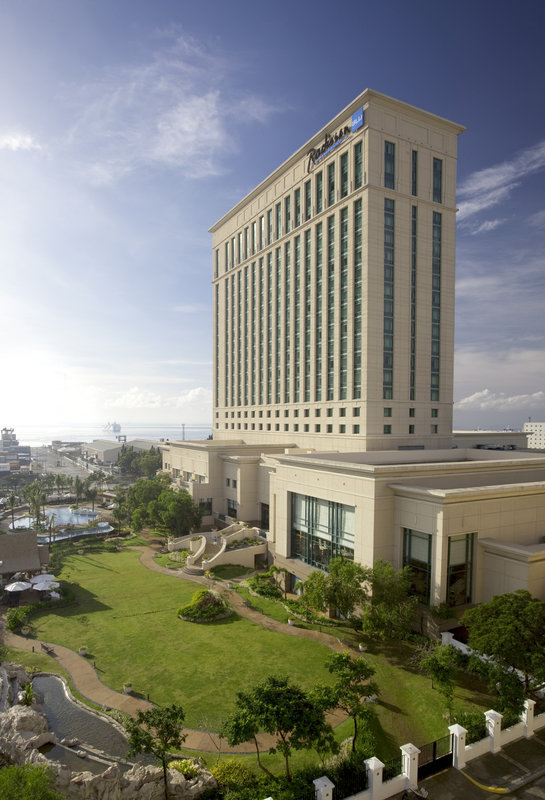Radisson Blu Hotel Cebu Buitenaanzicht