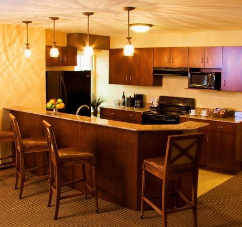 Rodeway Inn Jefferson - Suite Kitchen