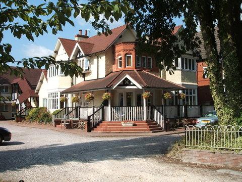 Alton Lodge - Alton Lodge