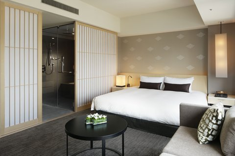 The Capitol Hotel Tokyu - Deluxe King Room Daytime