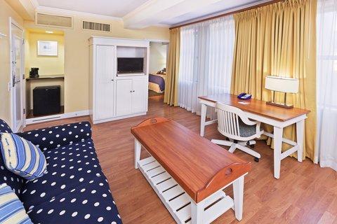 Hotel Indigo DALLAS DOWNTOWN - King Bedroom Suite