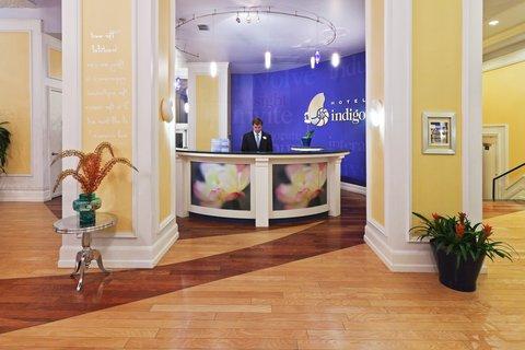 Hotel Indigo DALLAS DOWNTOWN - Registration Desk