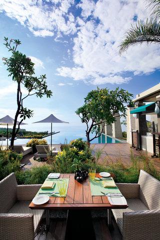 بانيان تري أونغاسان - Bambu Restaurant  Al Fresco