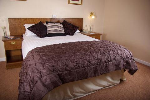 Beaufort Park Hotel - Guest Room