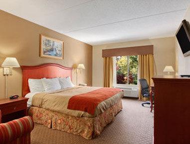 Ramada Harrisburg/Hershey Area - Standard One King Bed Room