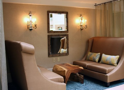 Quality Suites Convention Center Hotel - Crowne Plaza Hotel Charleston Airport