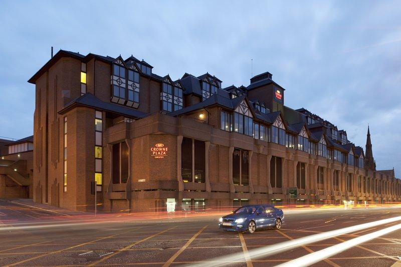 Crowne Plaza Hotel Chester Vue extérieure