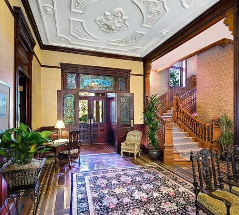 Wentworth Mansion - Lobby