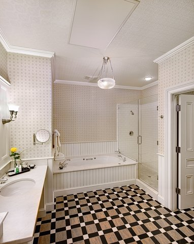 Wentworth Mansion - bathroom
