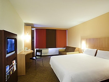 Ibis Dublin West - Room