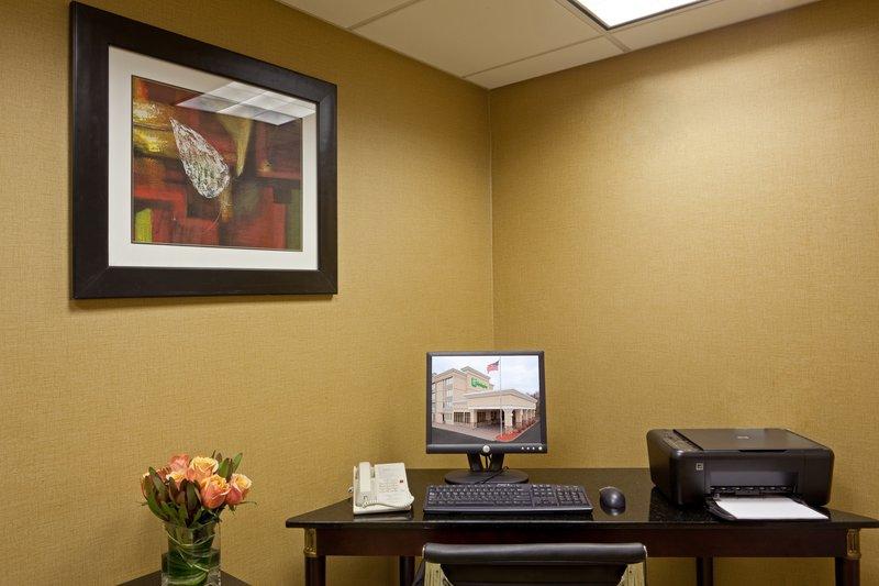 Holiday Inn Hotel & Suites Marlborough Autre